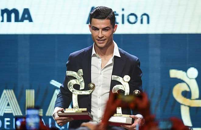 Messi giành Quả bóng vàng thứ 6, Ronaldo không đến dự: CR7 đã ở đâu? - Hình 2