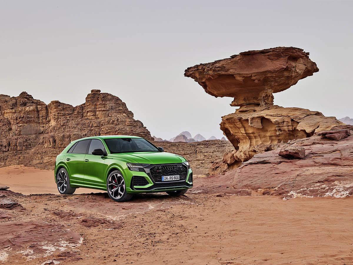 Ở địa hình kỳ vĩ, siêu SUV Audi RS Q8 2020 đẹp một cách ngoạn mục - Hình 2