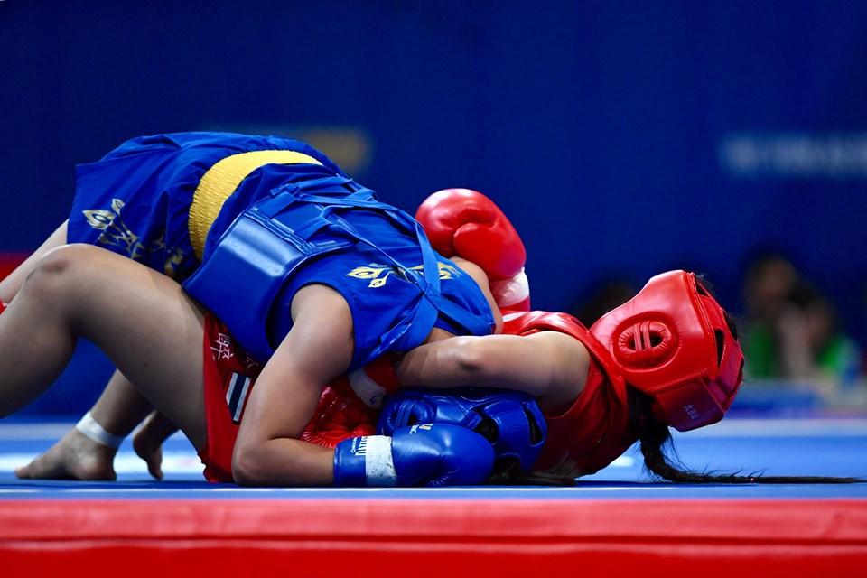 Quật ngã võ sĩ Thái Lan, Nguyễn Thị Trang giành HCV SEA Games 30 - Hình 1