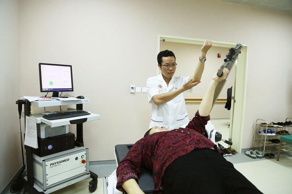 Robot hiện đại hỗ trợ bệnh nhân phục hồi chức năng - Hình 2