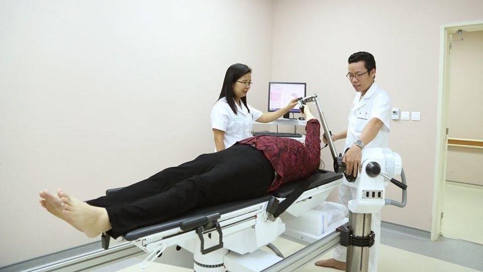 Robot hiện đại hỗ trợ bệnh nhân phục hồi chức năng - Hình 1