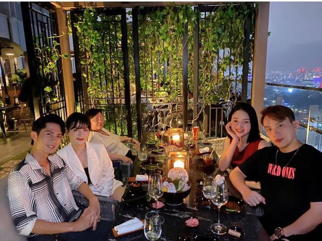 Sau công khai hẹn hò, Sĩ Thanh đưa Huỳnh Phương dự tiệc ra mắt gia đình: Phải chăng sắp về chung một nhà? - Hình 2