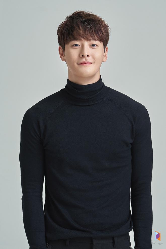 SỐC: Thêm sao Hàn đột ngột qua đời, lại còn là idol 27 tuổi vừa ra mắt phim mới cùng Ahn Jae Hyun - Hình 1