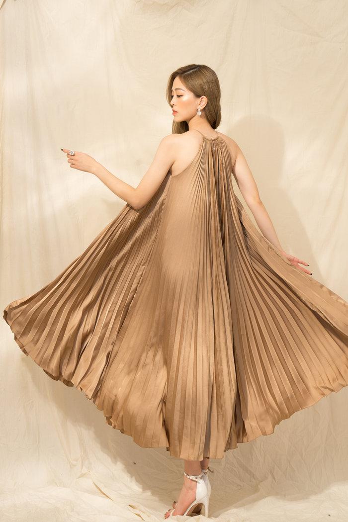 Á hậu Phương Nga diện dáng váy khó nhằn, phô diễn khí chất nữ thần hút trọn tim fan - Hình 2