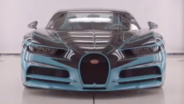 Bugatti khoe Chiron ngựa vằn độc nhất vô nhị đang chế tạo cho khách VIP: Một đường chỉ thôi cũng mất vài tuần để khâu - Hình 1