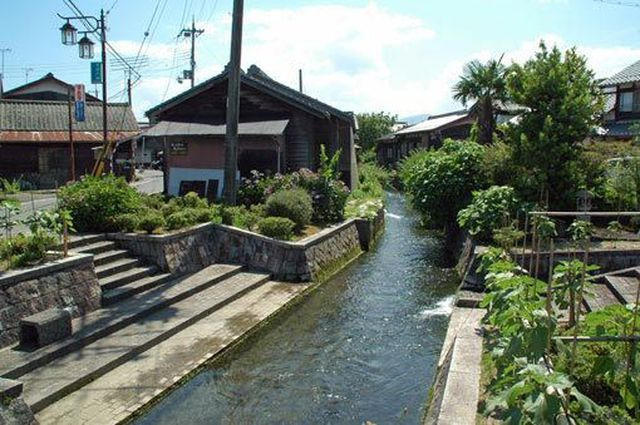 Choáng với nước sạch ở ngôi làng có một không hai trên thế giới - Hình 2