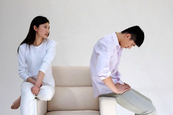 Đàn bà chán chồng đừng lựa chọn ngoại tình mà hãy làm ngơ để sống vì con - Hình 1