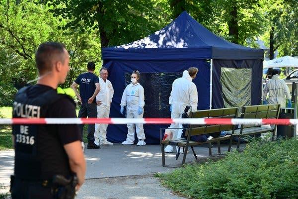 Đức trục xuất 2 nhân viên Đại sứ quán Nga - Hình 1