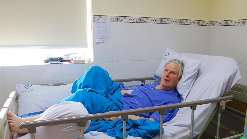 Nhập viện vì gãy đùi, du khách Úc hốt hoảng biết mình mắc thêm loại bệnh lý nguy hiểm - Hình 1