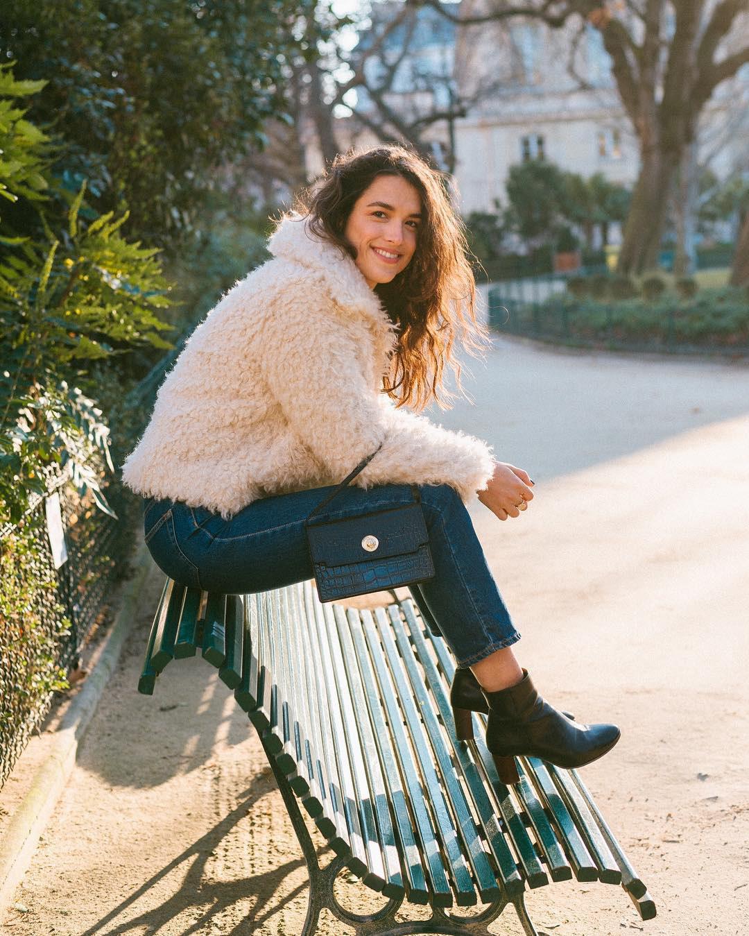 Phụ nữ Pháp chỉ diện boots theo 4 cách sau là đã đẹp và sang trọn vẹn mùa lạnh - Hình 1