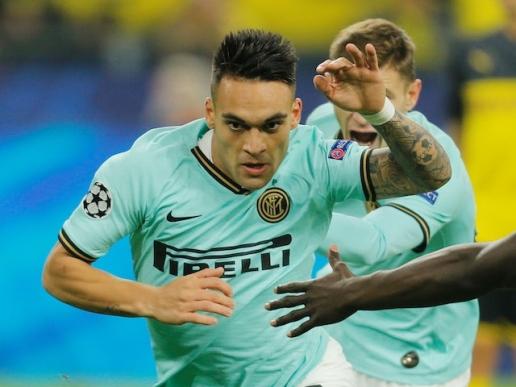 Thế chân Aguero, Man City cạnh tranh chân sút 96 triệu bảng với Man Utd - Hình 1