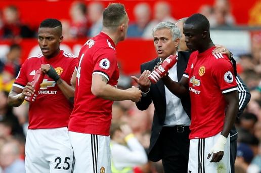 Trước giờ tái ngộ, đây là 4 trận đấu ấn tượng của Mourinho ở MU - Hình 2