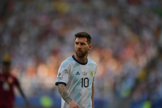 Lionel Messi, đơn giản đã là vĩ đại! - Hình 2