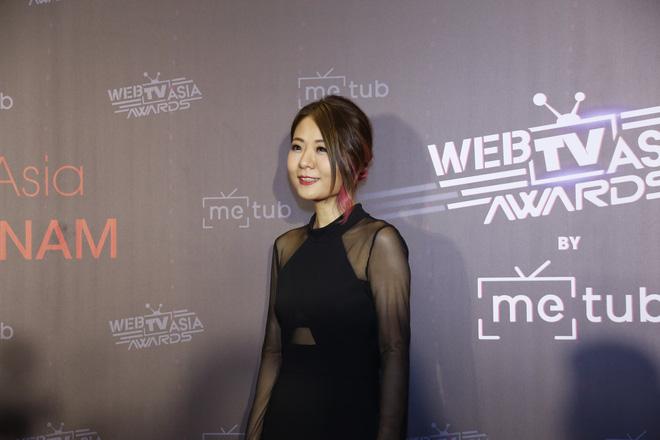Thảm đỏ WebTVAsia Awards 2019: Nhã Phương, Chi Pu đồng loạt khoe vai thon gợi cảm, cùng dàn nghệ sĩ châu Á tự tin khoe sắc - Hình 1