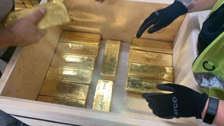 Anh bí mật trao trả hơn 100 tấn vàng cho Ba Lan - Hình 1
