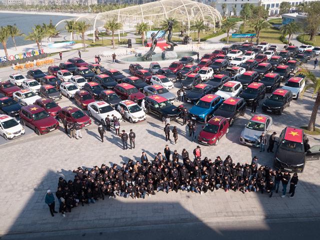 Gần 100 xe VinFast khởi động hành trình chinh phục địa đầu Tổ quốc - Hình 1