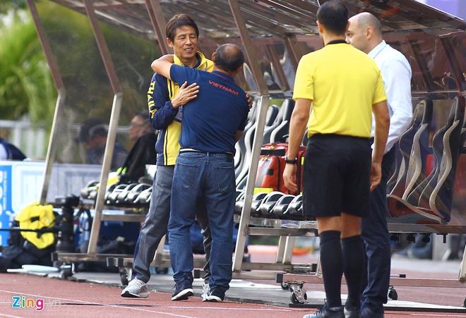HLV Nishino nói gì khi trở về Thái Lan sau thất bại SEA Games? - Hình 1