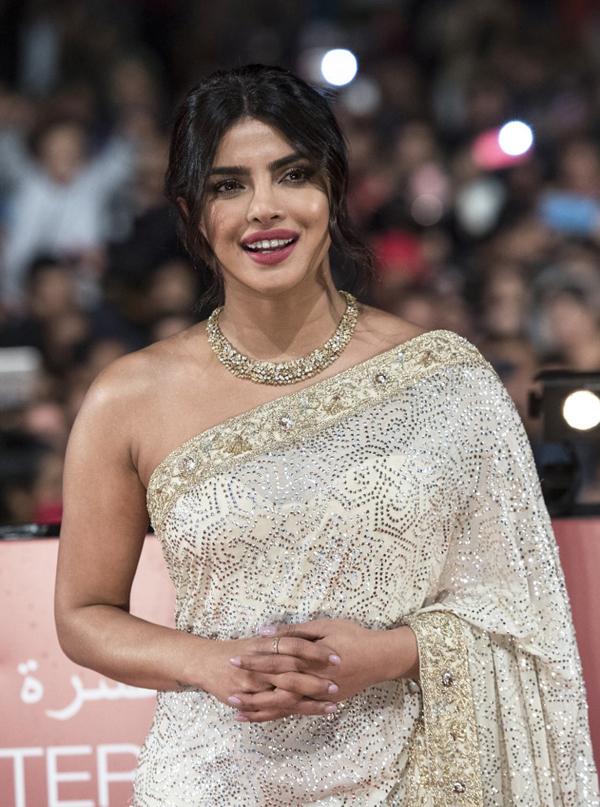 Hoa hậu Thế giới 2000 diện sari dự LHP quốc tế - Hình 1