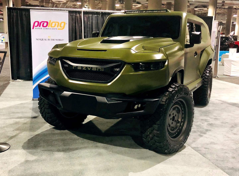 SUV chống đạn hàng khủng TANK X Military 1000hp còn cuốn hút với màu hot trend mùa Noel - Hình 1