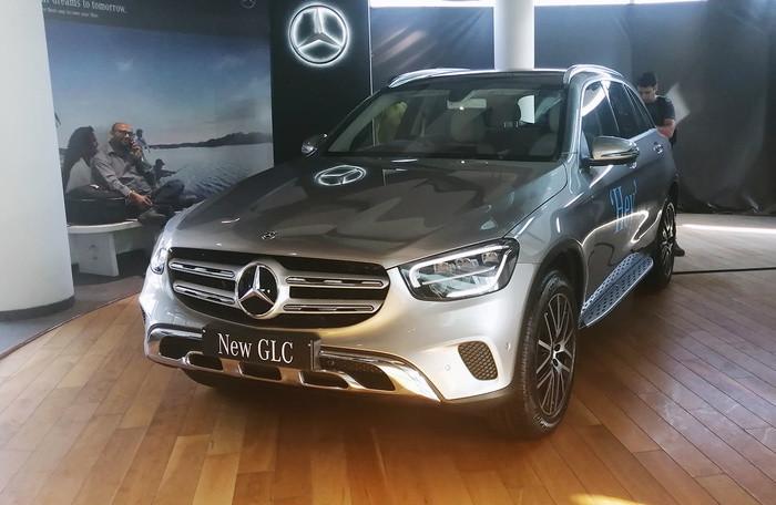 Mercedes-Benz GLC phiên bản nâng cấp mới giá từ 1,7 tỷ đồng - Hình 1