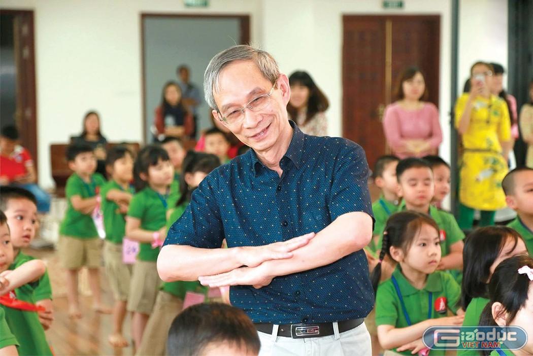 Trăn trở của một Hiệu trưởng trước việc chọn sách giáo khoa lớp 1 - Hình 1