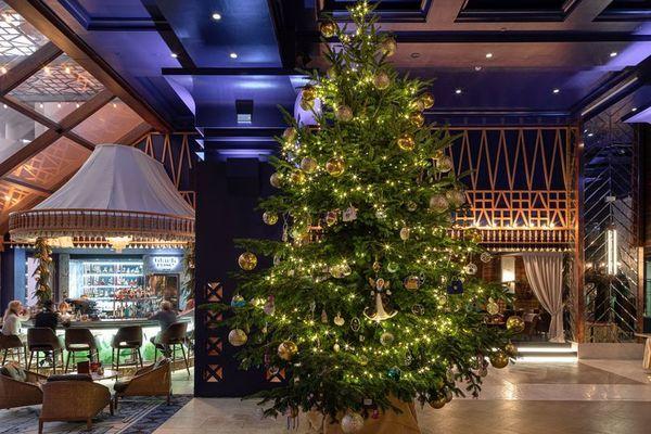 Bí mật về cây thông Noel 365 tỉ đồng, xa xỉ nhất thế giới - Hình 1