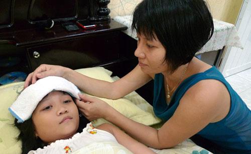 Cách chăm sóc trẻ sốt xuất huyết tại nhà - Hình 1