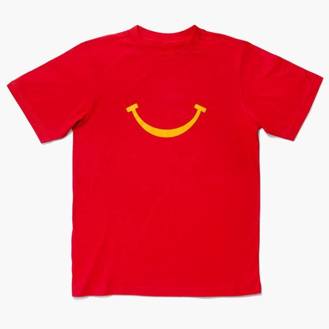 McDonald lấn sân sang bán quần áo, nhanh chóng cháy hàng - Hình 1