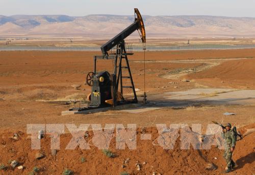 OPEC nhất trí cắt giảm thêm 500.000 thùng dầu/ngày - Hình 1