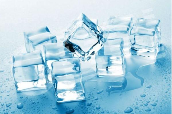 1001 thắc mắc: Bí ẩn sao nước đá có viên trắng đục, số khác lại trong veo? - Hình 1