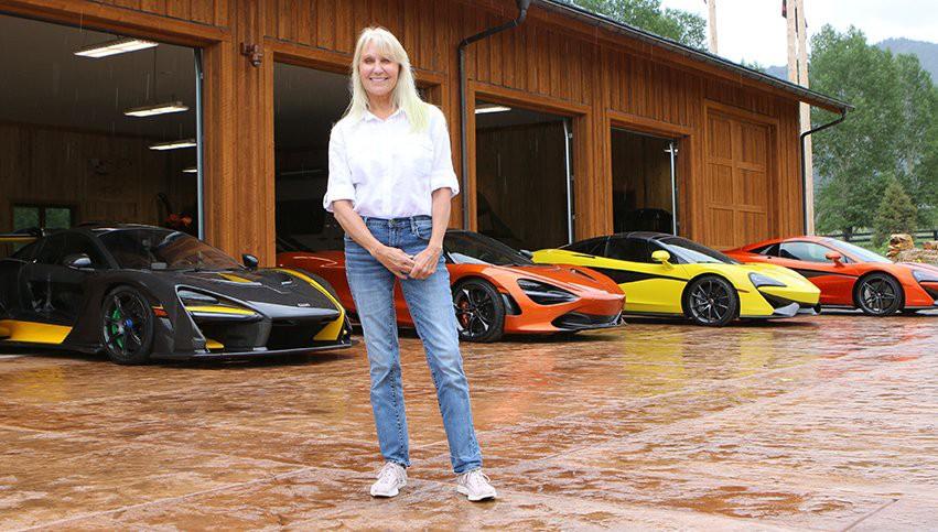 Người phụ nữ với sở thích sưu tập siêu xe McLaren - Hình 1