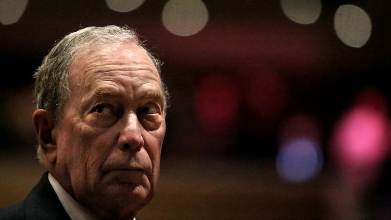 Bloomberg - sức mạnh cả đảng Dân chủ lẫn ông Trump phải e dè - Hình 1