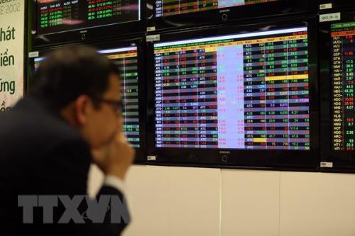 Chứng khoán ngày 9/12: VN-Index tăng hơn 2 điểm - Hình 1