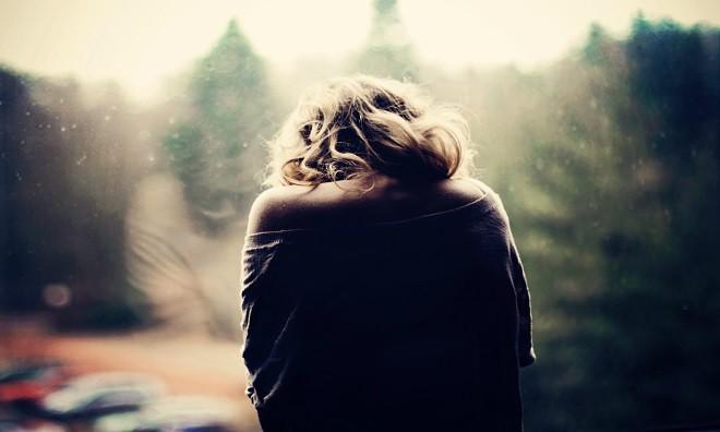 Tôi bị mắc kẹt trong mối tình đơn phương tay ba với bạn thân - Hình 1