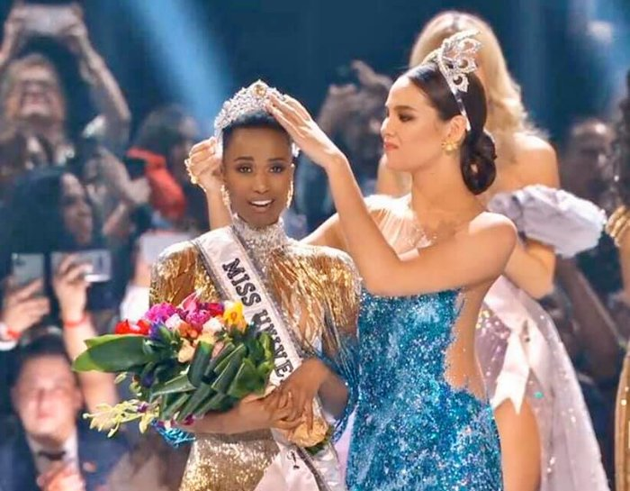 Từng bại trận với mái tóc dài, Tân Miss Universe 2019 thay đổi số phận với tóc đầu đinh độc lạ - Hình 1