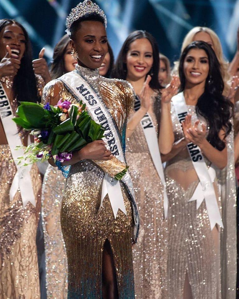 Vừa đăng quang, Miss Universe 2019 bị hủy danh hiệu ở quê nhà - Hình 1