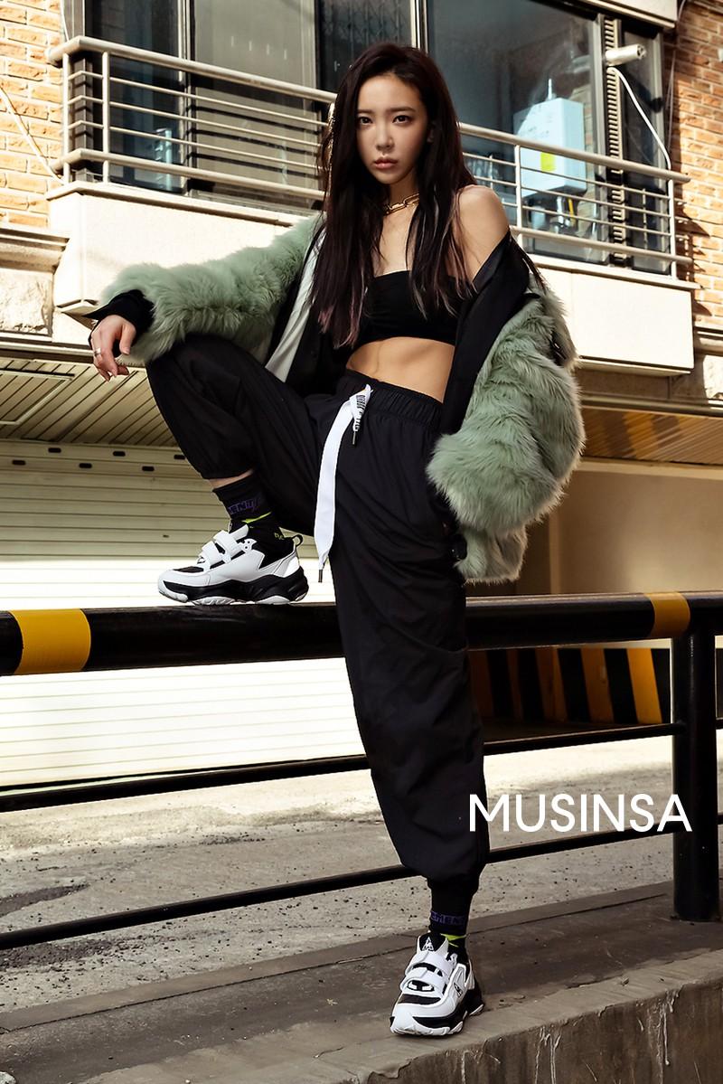 Hết Tết vẫn phải mặc đẹp, tham khảo ngay street style của giới trẻ Hàn để có thêm nhiều gợi ý hay ho - Hình 8