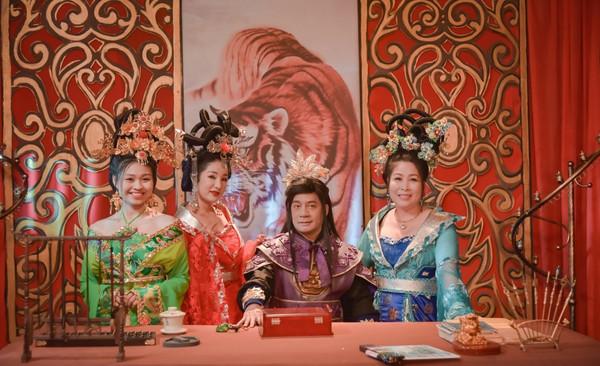 NSND Hồng Vân: Từ sân khấu kịch đến màn bạc, lửa nghề chưa bao giờ vụt tắt - Hình 3