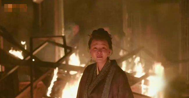 Minh Lan truyện: Bà mẹ kế này cả đời làm hại Phùng Thiệu Phong, nhưng khi phóng hỏa tự thiêu, ai cũng xót xa bật khóc - Hình 6