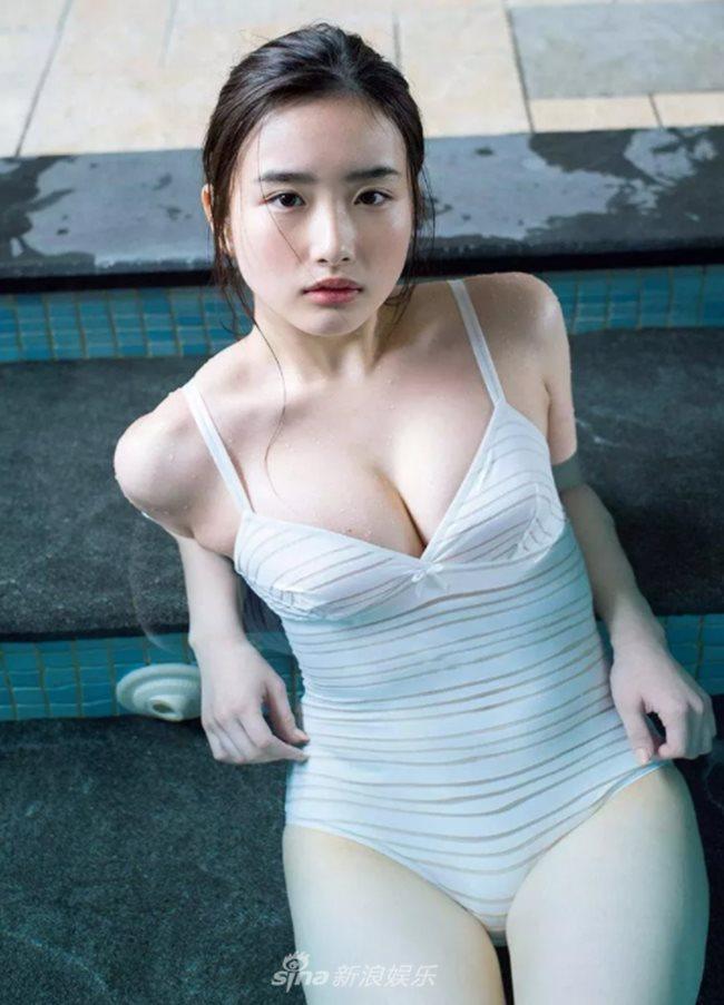 2 người mẫu trẻ mới nổi có vòng 1 chuẩn mực đang hot tại Nhật Bản - Hình 8