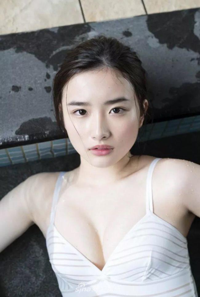 2 người mẫu trẻ mới nổi có vòng 1 chuẩn mực đang hot tại Nhật Bản - Hình 11