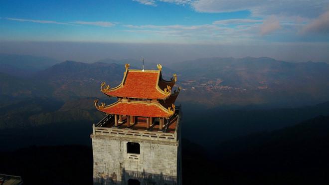 Dáng chùa Việt uy nghiêm trên đỉnh Đông Dương - Hình 2