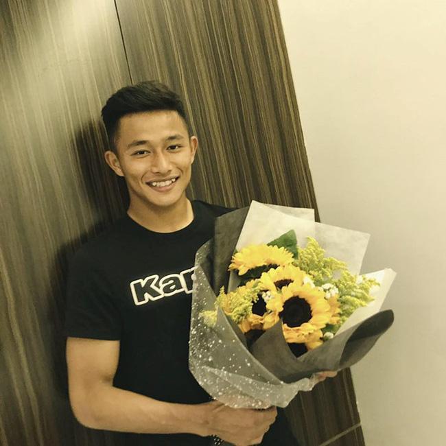 Thủ môn đẹp trai của tuyển U22 Việt Nam hóa ra là người yêu một thời của Yến Xuân - bạn gái Lâm Tây - Hình 2