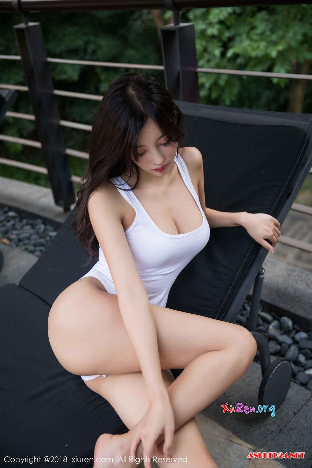 Chân dài xứ tỉ dân siêu gợi cảm với bikini - Hình 7