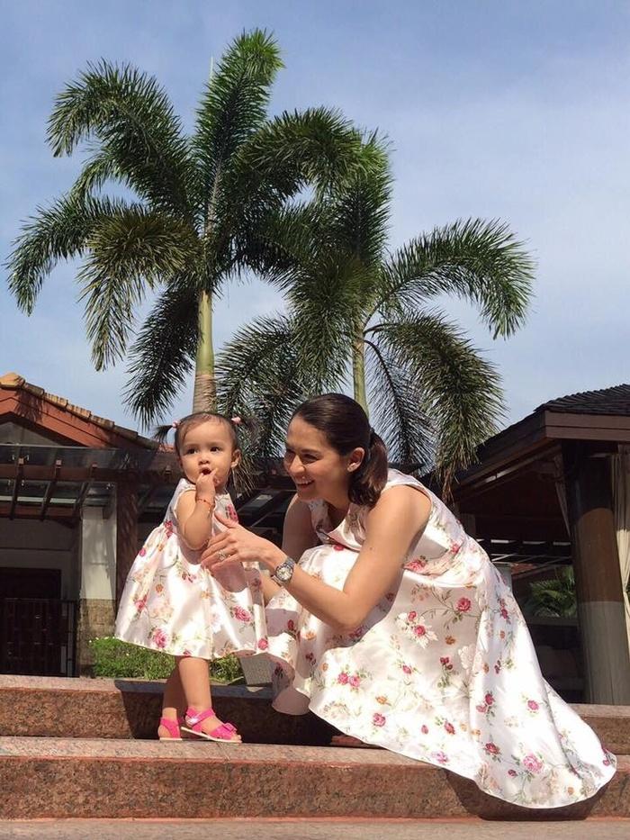 Học lỏm mỹ nhân đẹp nhất Philippines diện đồ mẹ con ngày Tết cực đẹp - Hình 4