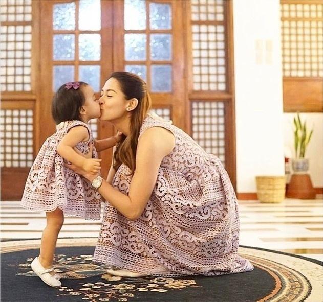 Học lỏm mỹ nhân đẹp nhất Philippines diện đồ mẹ con ngày Tết cực đẹp - Hình 5