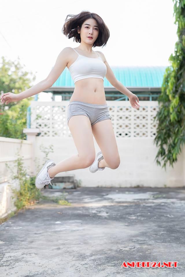 Người đẹp Anchalee Wangwan xinh đẹp bốc lửa dù chỉ ăn mặc đơn giản - Hình 10
