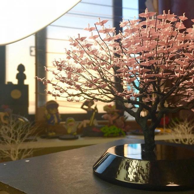 Bất ngờ trước những tác phẩm nghệ thuật tạo cây từ 3000 con hạc giấy gấp tay nhỏ - Hình 13