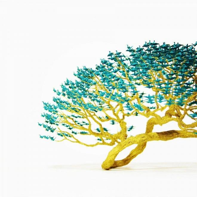 Bất ngờ trước những tác phẩm nghệ thuật tạo cây từ 3000 con hạc giấy gấp tay nhỏ - Hình 6