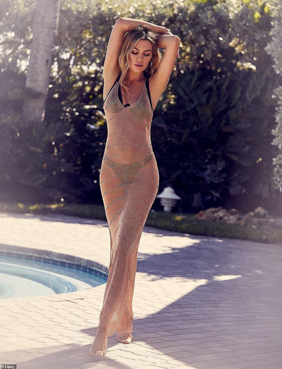 Abbey Clancy tung ảnh bikini khoe đường cong chuẩn từng centimet - Hình 9